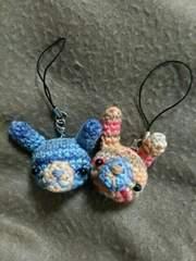 手編みのあみぐるみ、ウサギ顔ストラップ二個