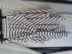シャツ巻き風ボーダースカート
