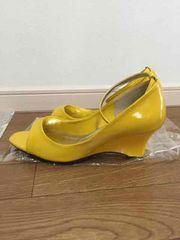 新品!黄色、yellowパンプス