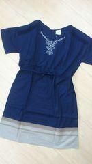 新品タグつき*胸元刺繍&バイカラー半袖ワンピース LLサイズ ネイビー