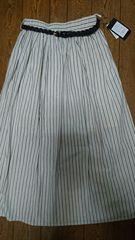 ☆新品タグ付き☆ベルト付きストライプ柄ロングスカート☆