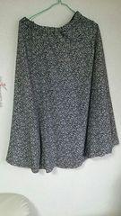 カジュアル★小花柄★ロングスカート。フリーsize