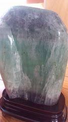 2、5キロ!デカイ!紫緑フローライト原石!台座付き