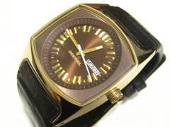 DIESELディーゼル.ゴールドカラー&焦茶革ベルト.極上お洒落なクォーツ時計3針+