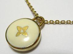 ルイ.ヴィトン.爽やか洒落たホワイトLVシンボル十字架&ゴールドカラー最高のネックレス