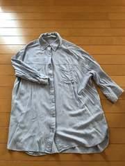 AZUL by moussy ブルーレーヨンシャツ