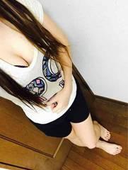 派手プリ Tシャツ