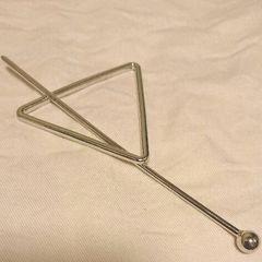 シルバー色三角モチーフヘアアクセサリー 新品未使用