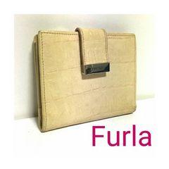 正規 FURLA クロコ レザー 二つ折り財布 コンパクト ベージュ