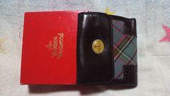 正規品ヴィヴィアンの二つ折り財布