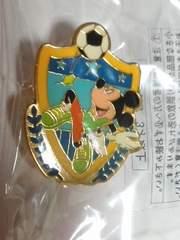 ミッキーマウス ピンバッチ サッカー ストア 非売品 ディズニー