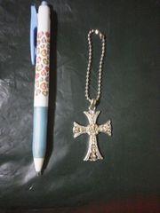 キラキラ装飾クロスのキーホルダー/約4×3cm/新品同様♪