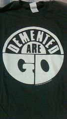 DEMENTED ARE GO Tシャツロカビリーサイコビリークリームソーダ