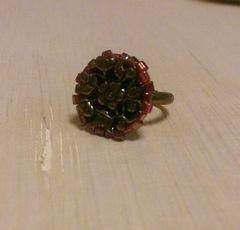 お花とビーズのリング