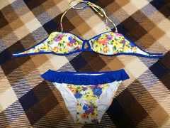 新品未使用ダズリンdazzlinバンドゥ水着ビキニ花柄青ブルー白色