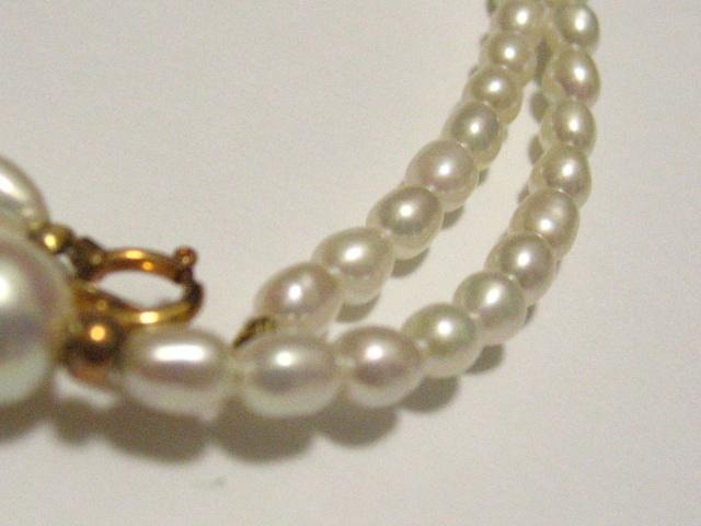 アコヤ本真珠7ミリ珠の花珠レベル&淡水オーバル珠の金具18金の最高ネックレス