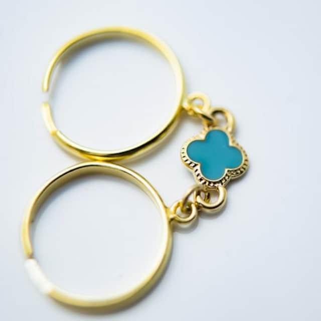 ピンキーリング 小クロス型チャーム(ターコイズ)サンド ダブル 指輪 < 男性アクセサリー/時計の
