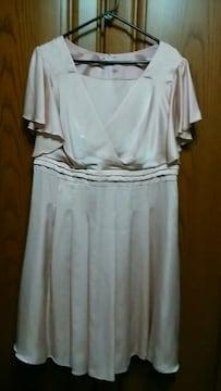 【大きいサイズ】とっても素敵なドレス♪新品未使用品