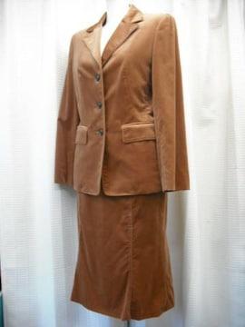 【オンワード樫山】ブラウンベルベットのフレアースカートスーツ