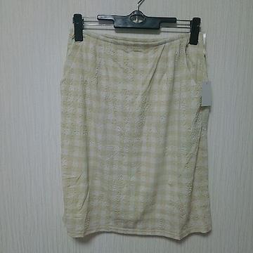 新品 チェック 型押し草花 スカート M