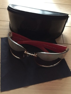 FURLA 林檎のサングラス COOL FRUIT SU4057