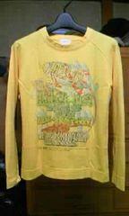 古着 プリント長袖Tシャツ ロンT Sサイズ・細身タイト 黄色イエロー ユーズド加工 レトロ