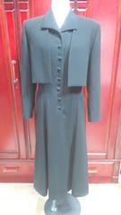 東京ソワールさんの黒のフォーマルワンピーススーツ綺麗(A-780
