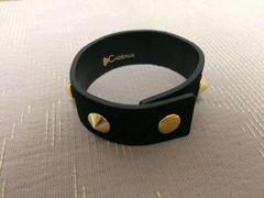 新品未使用レザーバングル腕輪ブレスレットスタッズ黒ブラック