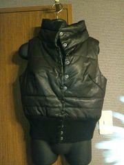 M×黒×裾ニットの格好いいベスト