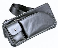 通勤,通学等に最適 ブラックの2WAYななめ肩かけ高機能なバッグ