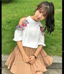《新》大人可愛い!! フラワー刺繍ショルダーホール☆シフォントップス