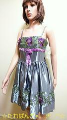 ☆新品タグ付き☆綺麗な薔薇刺繍のふんわりドレスD75☆3点で即落