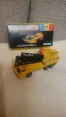 中古 当時モノ 黒箱トミカ ふそうトラッククレーン 日本製