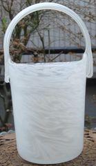 置き物/コレクション:落ち着いた桶型ガラス花瓶乳白色中古品