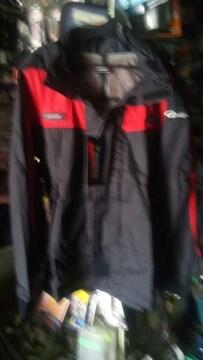 がまかつ・レインスーツ L寸 ブラック×レッド旧製品処分送料込み