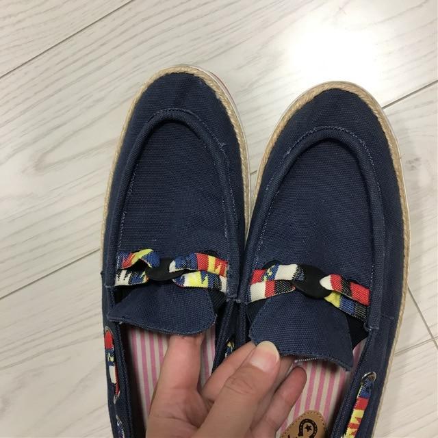 メルシーボークーmerci beaucoupデッキシューズ靴スニーカー < ブランドの