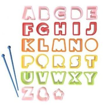 ★送料無料★ アルファベット 型抜き 26個 ピック付