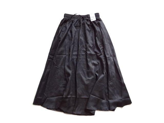 新品 定価5900円 AS KNOW AS アズノゥアズ 黒   スカート  < ブランドの