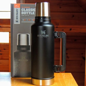 スタンレーSTANLEYクラシック真空ボトル1.9Lマットブラック