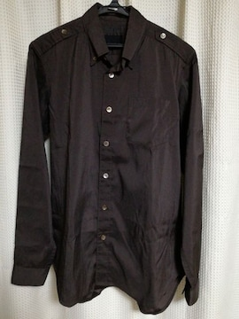 コムサ・デ・モードシャツ。