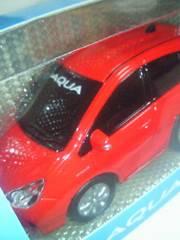 TOYOTA トヨタ自動車 AQUA アクア プルバックカー レッド ミニカー ハイブリッド