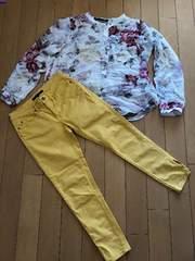美品。TOMMY HILFIGER黄色パンツ。