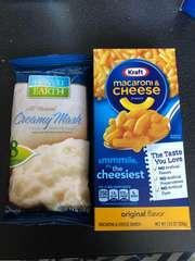 コストコ マカロニチーズとマッシュポテト 1つずつ