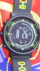 トリプルセンサー搭載多機能腕時計Gショックプロトレックみたい大きめ文字盤