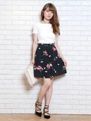 【新品タグ付】リランドチュール☆ブライトフラワースカート黒0