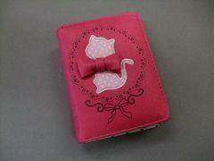 【即決 激安】メルヘン猫ちゃん2つ折財布 新品 ピンク系リボン