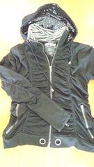 黒くしゅくしゅフード付き  ジャケット 美品