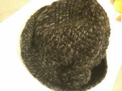グレーブラックミックス編みニット帽子ボンボン付きハット