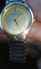 イヴ サンローラン腕時計良品鑑定済み