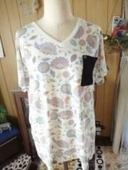 新品3Lヴィンテージ花柄Tシャツ